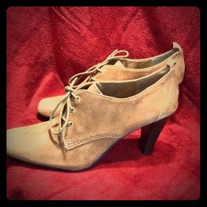 Size 8 Tan Suede Kelly & Katie Shoes